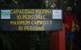 The Monteverde Bridge Maximum Capacity Sign