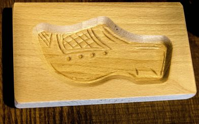 Clog Carving