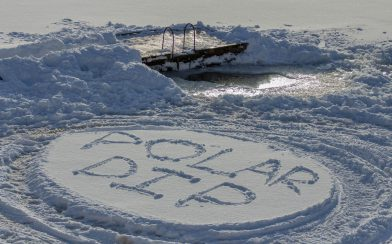 Polar Dip Written on the Lake